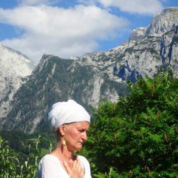 Kundalini Yoga in Bayern für Frauen Königssee mit Jana Nirviar Akaal