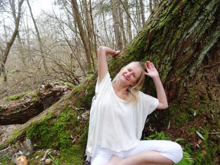 Jana Puravida - Nirviar Akaal Kaur Kundalini Yoga