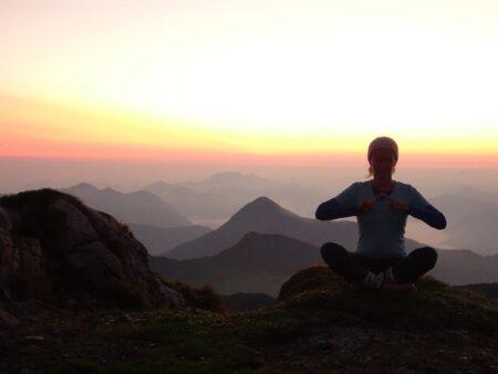 Wandern und Yoga, Spiritwanderung, Berge